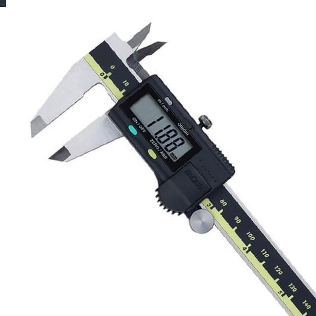 Универсальный измерительный инструмент
